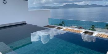 résidence du PHARE la piscine en Eau.JPG